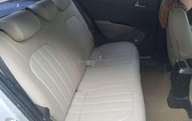 Cần bán lại xe Hyundai Grand i10 2014, màu bạc, nhập khẩu2
