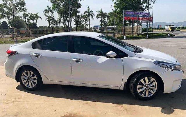Bán Kia Cerato sản xuất năm 2018, màu trắng còn mới, giá 426tr1