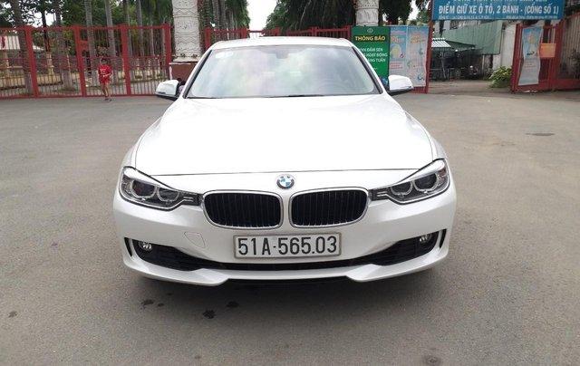BMW 320i model 2014, một đời chủ. Cực mới, xe nhà trùm mền không chạy bởi vậy còn mới lắm, toàn bộ còn zin theo xe4