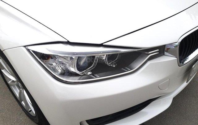 BMW 320i model 2014, một đời chủ. Cực mới, xe nhà trùm mền không chạy bởi vậy còn mới lắm, toàn bộ còn zin theo xe5