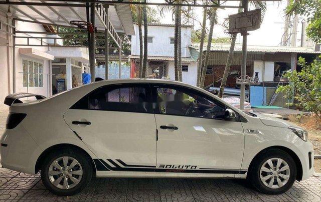 Cần bán gấp Kia Soluto năm sản xuất 2019, màu trắng, số sàn3