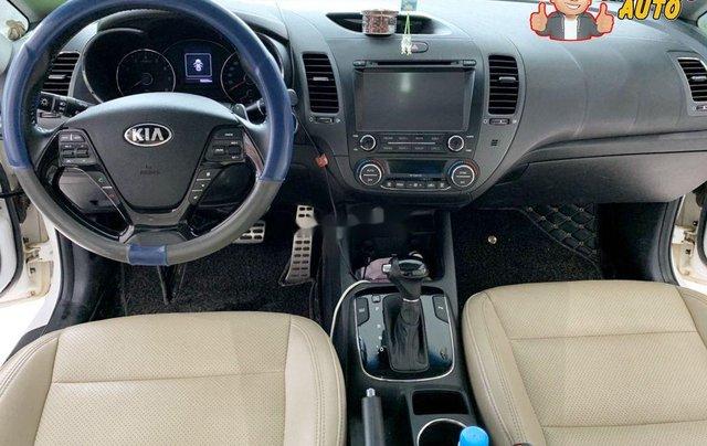 Cần bán lại xe Kia Cerato đời 2017, màu trắng8