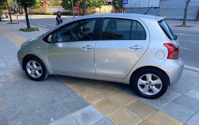 Cần bán gấp Toyota Yaris đời 2007, màu bạc, nhập khẩu nguyên chiếc2