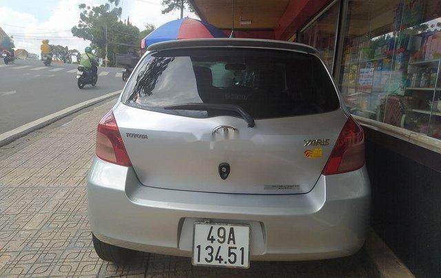 Cần bán xe Toyota Yaris đời 2008, màu bạc, xe nhập, 280 triệu7