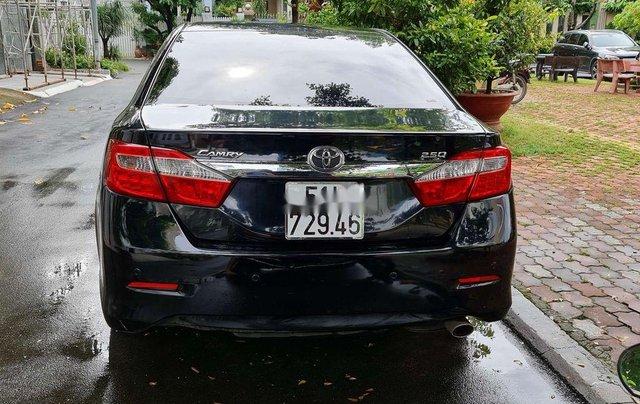 Bán ô tô Toyota Camry 2.5Q đời 2014, màu đen, chính chủ, 745tr2