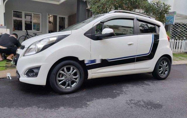 Cần bán gấp Chevrolet Spark năm 2015, màu trắng chính chủ1