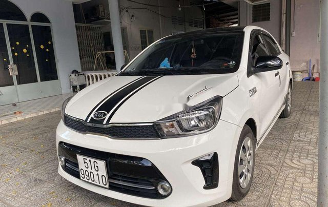Cần bán gấp Kia Soluto năm sản xuất 2019, màu trắng, số sàn1