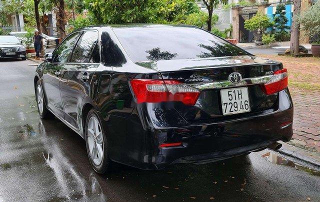Bán ô tô Toyota Camry 2.5Q đời 2014, màu đen, chính chủ, 745tr1