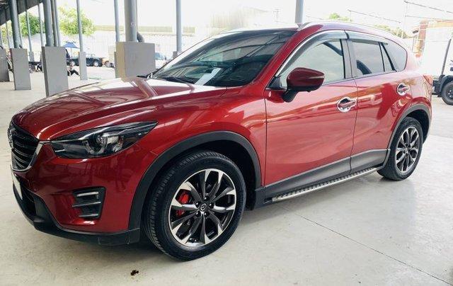 Bán gấp với giá thấp chiếc Mazda 5 năm sản xuất 2017, màu đỏ, giá tốt1