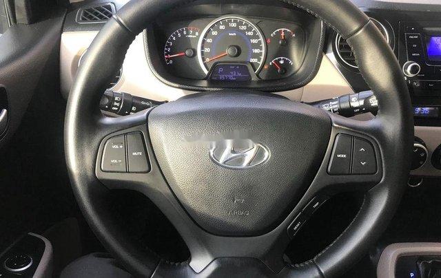 Bán ô tô Hyundai Grand i10 đời 2015, màu bạc, xe nhập, giá 310tr5