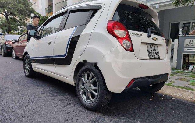 Cần bán gấp Chevrolet Spark năm 2015, màu trắng chính chủ2