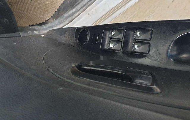 Cần bán Kia Morning sản xuất 2011, màu bạc, xe nhập 3