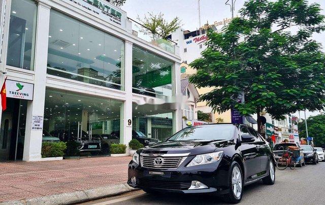 Cần bán Toyota Camry 2.5Q đời 2014, màu đen1
