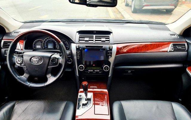 Cần bán Toyota Camry 2.5Q đời 2014, màu đen9