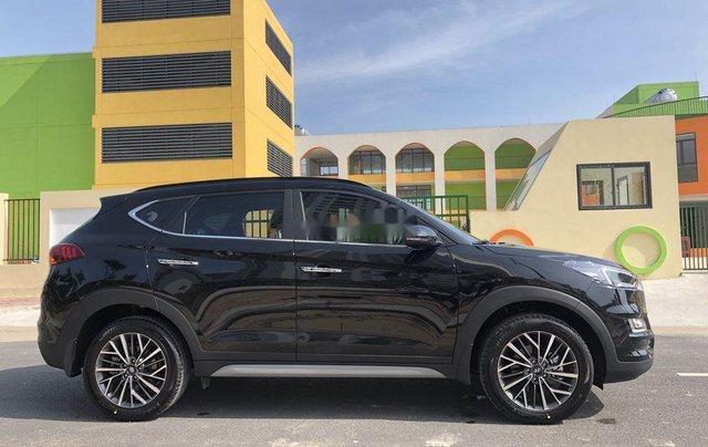 Bán xe Hyundai Tucson sản xuất năm 2020, màu đen, 850tr3