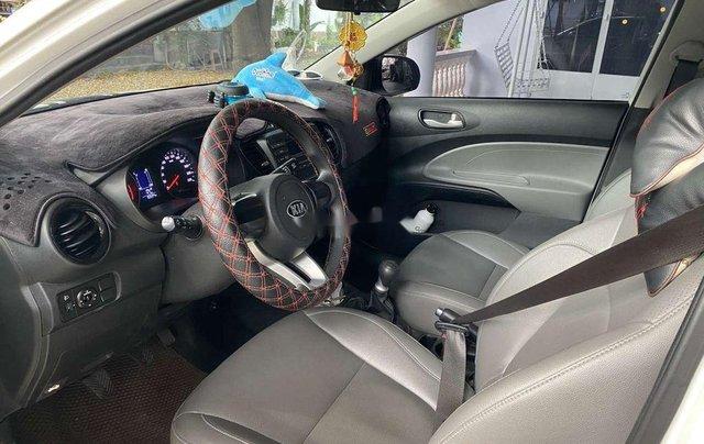 Cần bán gấp Kia Soluto năm sản xuất 2019, màu trắng, số sàn5