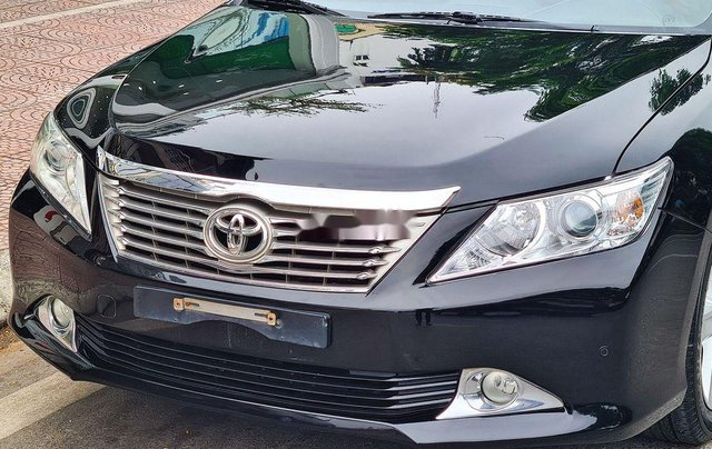 Cần bán Toyota Camry 2.5Q đời 2014, màu đen2