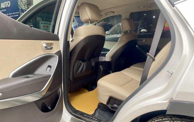 Bán Hyundai Santa Fe năm sản xuất 2018, màu trắng, giá tốt11