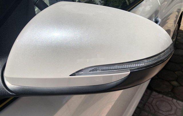 Cần bán xe Hyundai Accent đời 2020, màu trắng6