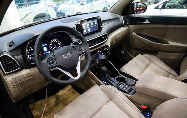 Bán xe Hyundai Tucson sản xuất năm 2020, màu đen, 850tr5