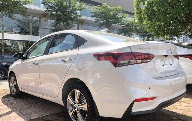 Cần bán xe Hyundai Accent đời 2020, màu trắng2
