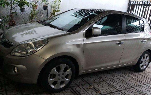 Cần bán Hyundai i20 đời 2011, màu bạc, nhập khẩu1