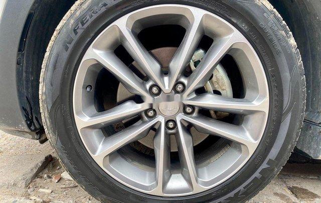 Bán Hyundai Santa Fe năm sản xuất 2018, màu trắng, giá tốt4