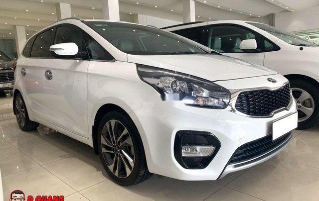 Cần bán xe Kia Rondo GATH sản xuất năm 2018, màu trắng0