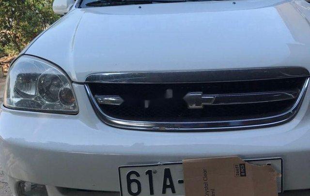 Cần bán Chevrolet Lacetti đời 2012, màu trắng ít sử dụng1
