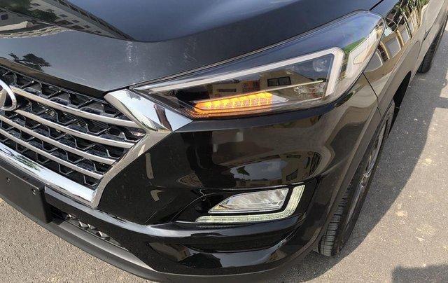 Bán xe Hyundai Tucson sản xuất năm 2020, màu đen, 850tr1