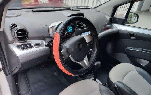 Cần bán gấp Chevrolet Spark năm 2015, màu trắng chính chủ5