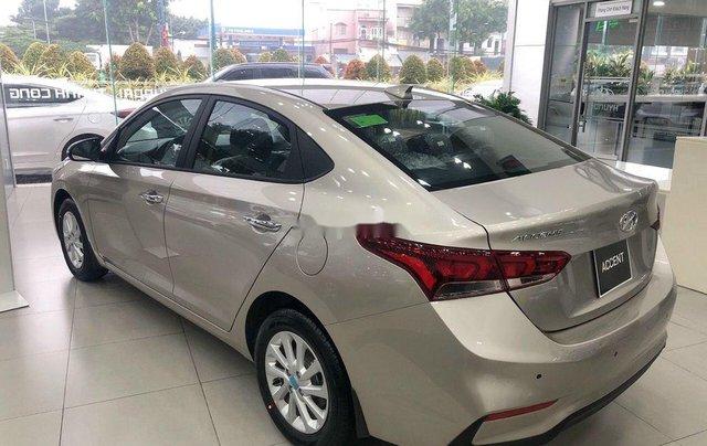 Bán Hyundai Accent đời 2020, màu vàng, mới hoàn toàn0