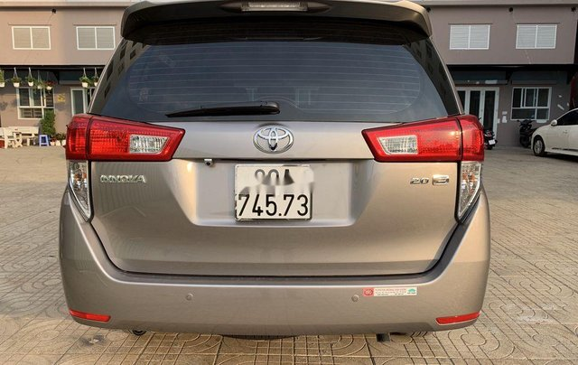 Cần bán xe Toyota Innova năm sản xuất 2019, xe nhập còn mới4