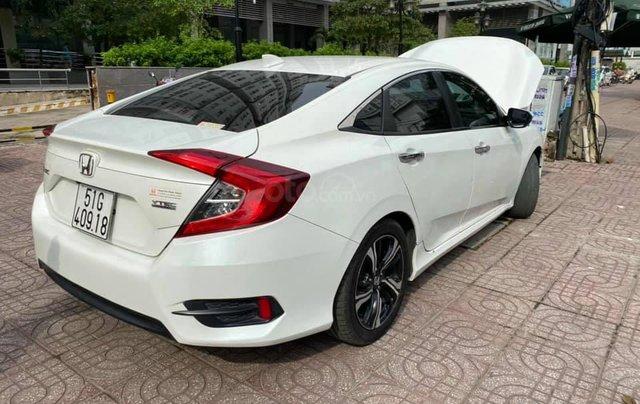 Cần bán Honda Civic 1.5 sản xuất 2017 màu trắng2