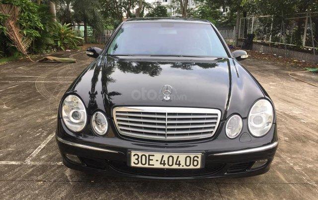 Cần bán Mercedes-Benz E class E240 SX 2004 màu đen0