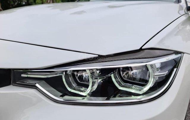 Bán xe BMW 320i model 2019, đăng ký lần đầu tháng 9-2019 trắng nội thất kem1