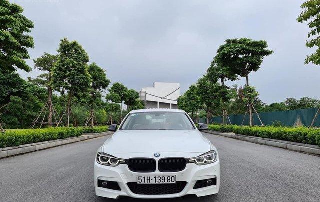 Bán xe BMW 320i model 2019, đăng ký lần đầu tháng 9-2019 trắng nội thất kem2