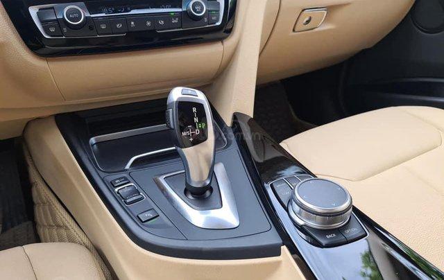 Bán xe BMW 320i model 2019, đăng ký lần đầu tháng 9-2019 trắng nội thất kem4