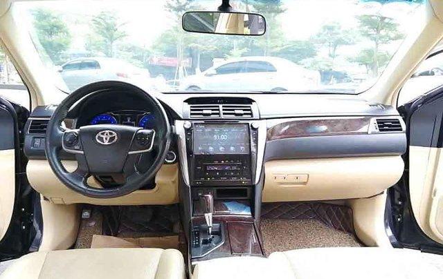 Bán lại xe Toyota Camry 2.0E năm sản xuất 2016, màu đen còn mới2