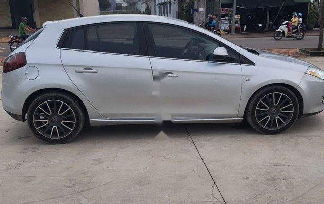 Bán xe Fiat Bravo năm sản xuất 2010, màu bạc, xe nhập2