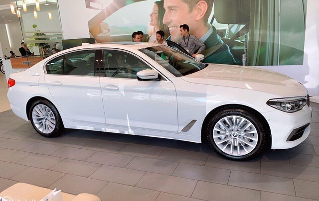 Xe BMW 5 Series 530i giá tốt cực hot - Hỗ trợ trả góp toàn quốc1