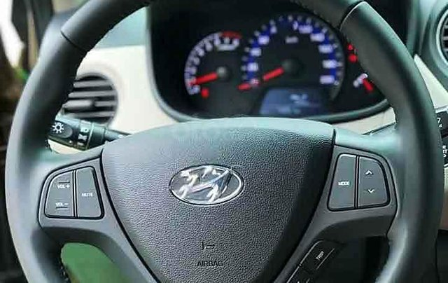 Bán Hyundai Grand i10 năm sản xuất 2019, màu trắng, chính chủ2