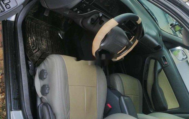 Bán xe Toyota Camry sản xuất năm 1993, màu bạc, nhập khẩu nguyên chiếc, 140 triệu5