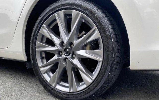 Bán Mazda 6 2019, màu trắng số tự động3