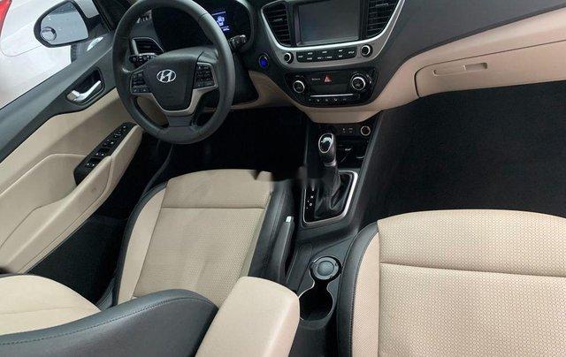 Chính chủ bán Hyundai Accent năm sản xuất 2018, màu trắng4