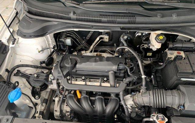 Chính chủ bán Hyundai Accent năm sản xuất 2018, màu trắng6