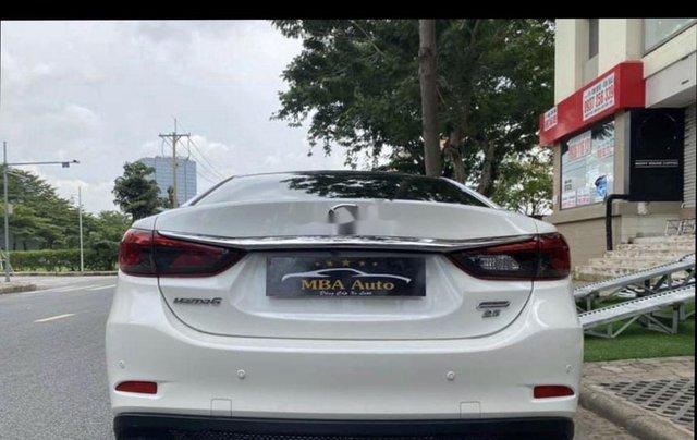 Bán Mazda 6 2019, màu trắng số tự động6