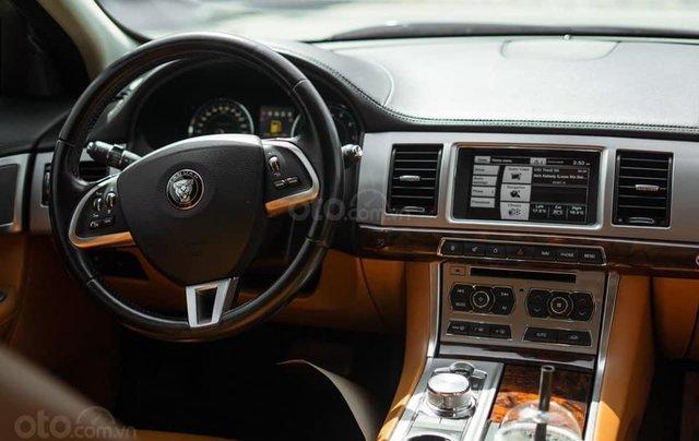 Jaguar XF sản xuất 2015, màu đen4
