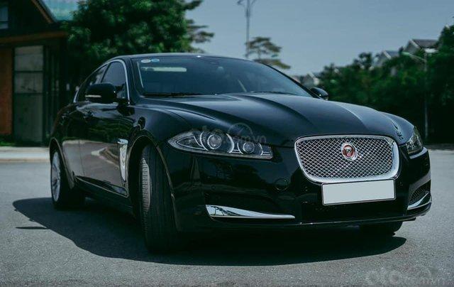 Jaguar XF sản xuất 2015, màu đen0