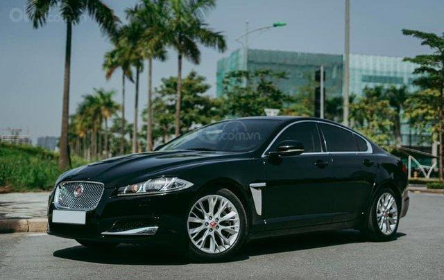 Jaguar XF sản xuất 2015, màu đen1